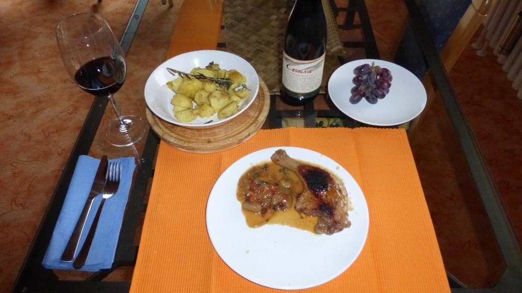 Tutto completo: Barberie-Entenkeule mit leckerer Soße, Rosmarin Kartoffeln und und einem Costalago aus 2003
